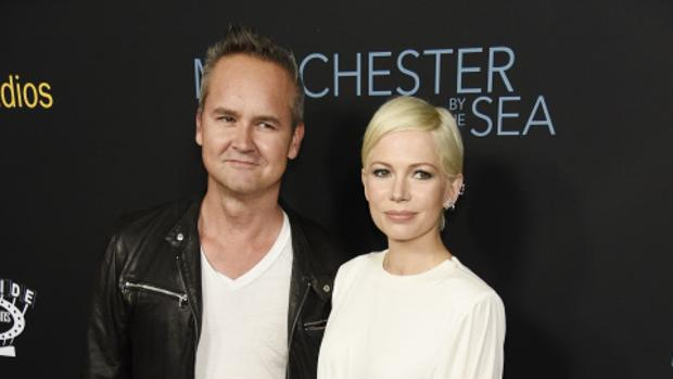 Roy Price, junto a la actriz Michelle Williams