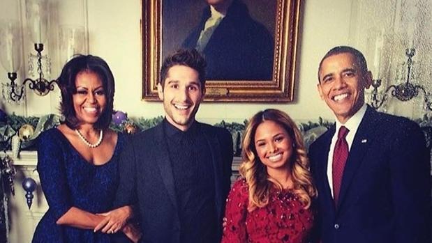 Daniel Villano en la Casa Blanca con los Obama y otra invitada