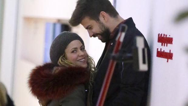 Shakira junto a su pareja, el futbolista Gerard Piqué