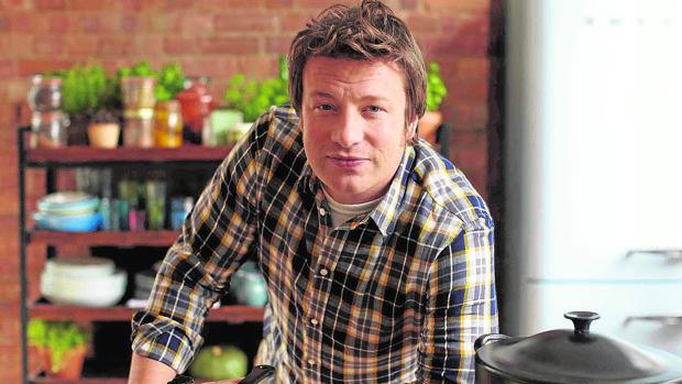 Tormenta financiera en el imperio culinario de Jamie Oliver