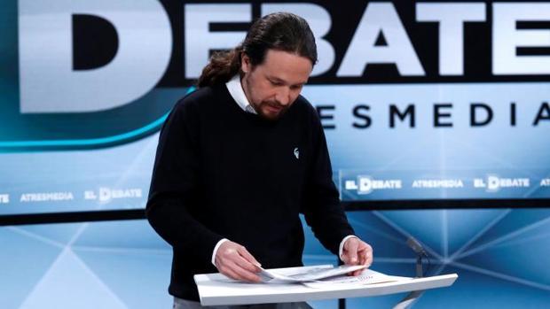 Pablo Iglesias, con el jersey que llevó ayer al debate electoral