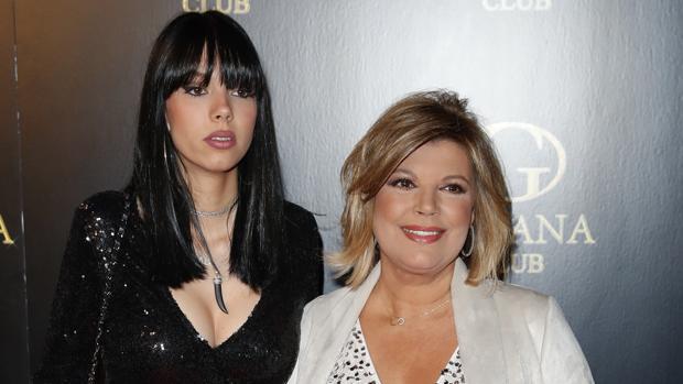 Alejandra Rubio junto a su madre, Terelu Campos
