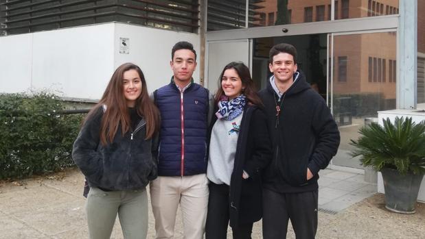 Marta Pérez, Juan Quirós, Alejandro Moreno y Julia Shepherd