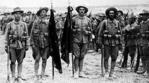 """Legionarios españoles, los """"Novios de la muerte"""""""