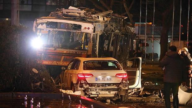 Al menos 34 muertos y 125 heridos por una fuerte explosión en el corazón de la capital de Turquía