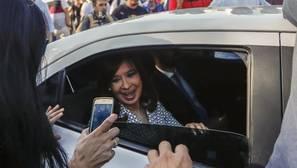 Cristina Fernández de Kirchner, a su llegada este martes a los tribunales de Comodoro Py, en Buenos Aires