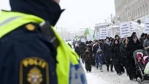 Un camión embiste a una multitud en una calle del centro de Estocolmo