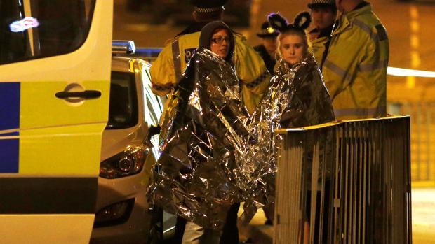 Dos explosiones dejan 19 muertos en Mánchester