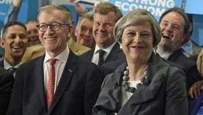 Theresa May atiende un evento de campaña al oeste de Londres