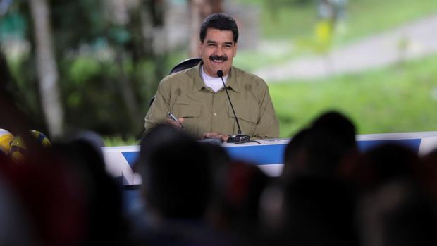Maduro adelanta las elecciones para «responder a las amenazas»