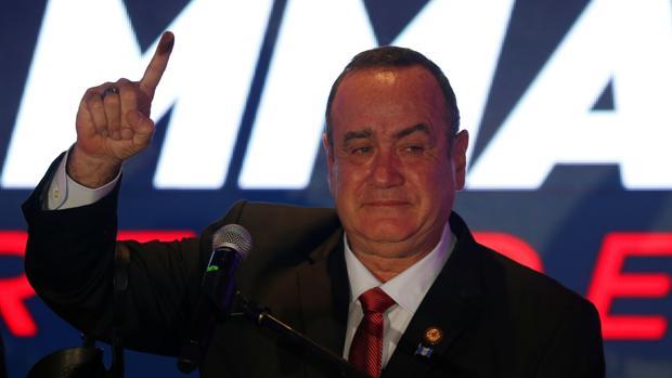 El conservador Giammattei le gana a Sandra Torres la Presidencia de Guatemala