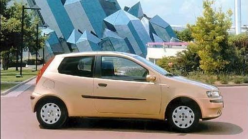 Mejor coche del a o abc de 1999 a 2017 for Capacidad baul fiat punto