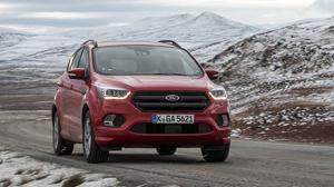 El nuevo Ford Kuga circulando por las carreteras heladas de Noruega