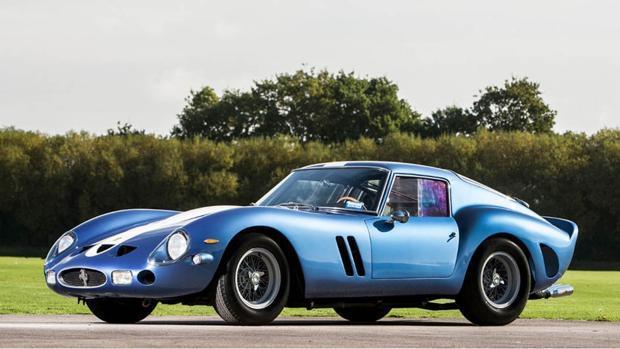 El Ferrari 250 GTO ostenta el título de coche más caro en subasta