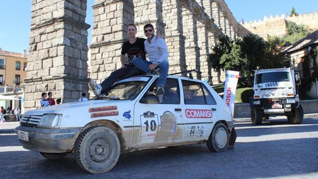 Peugeot 205 tripulado por Ricardo Barrasa García y Manuel Hernández Vázquez