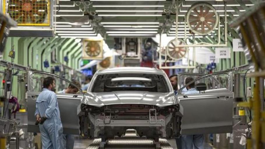 Ford plantea cuatro días de ERTE en Almussafes y bajar la producción de la planta a 100 coches diarios