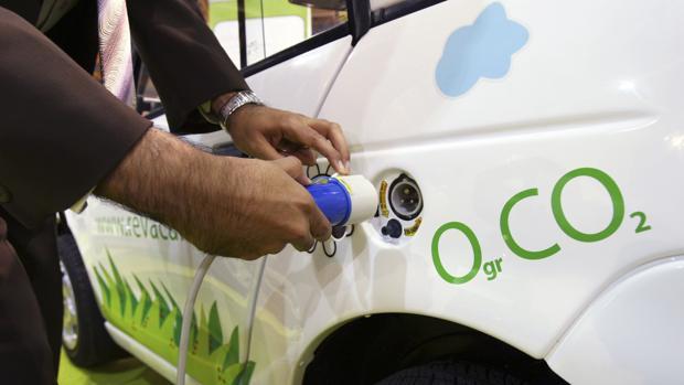 Europa parte en el vagón de cola en la carrera por el coche eléctrico
