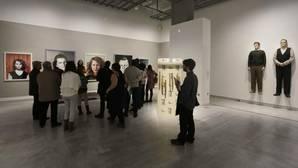 Colas para entrar en el CaixaForum de Sevilla en la primera jornada de puertas abiertas gratuitas