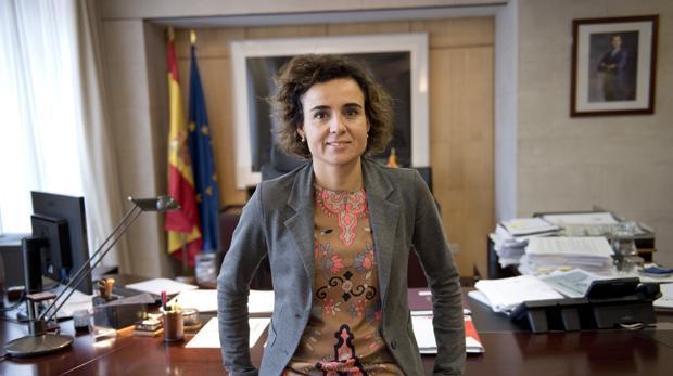 La ministra de Sanidad Dolors Montserrat