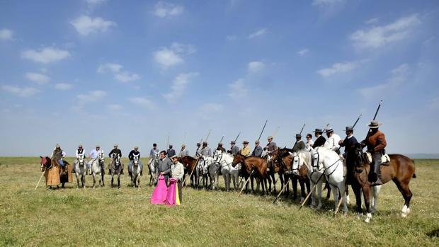 Garrochistas junto en la finca Los Gallos, en el 175 aniversario de la ganadería de Miura