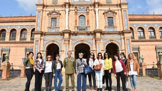 Grupo de alumnos de la primera edición del curso durante una de las visitas programadas