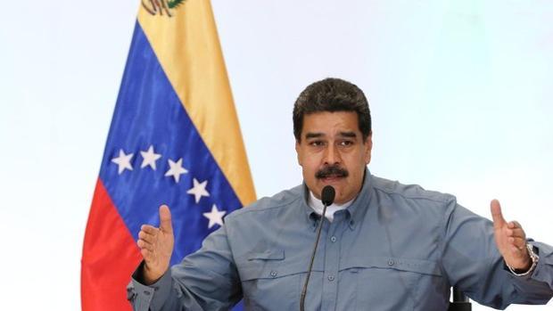 Maduro cambia los plomos