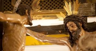 En imágenes: Montserrat no pisa las calles de Sevilla