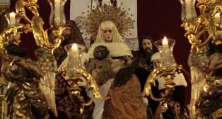 En imágenes: La Mortaja pasa el Viernes Santo en La Paz