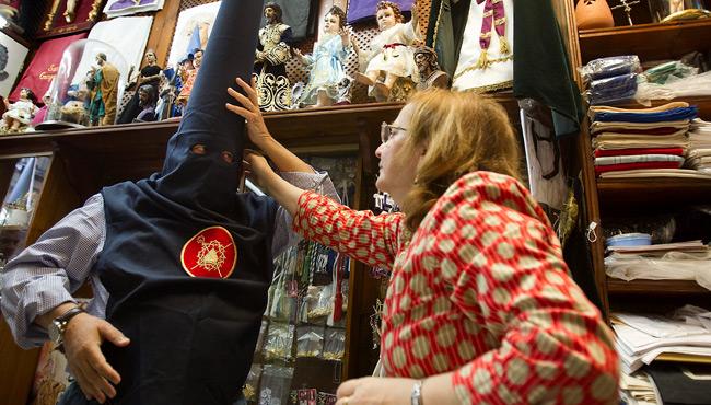 Las túnicas más caras de la Semana Santa de Sevilla