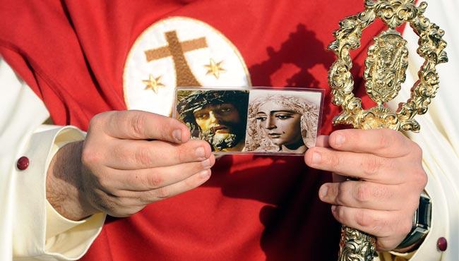 Padre Pío recogerá firmas para rotular una calle con el nombre de la Dolorosa