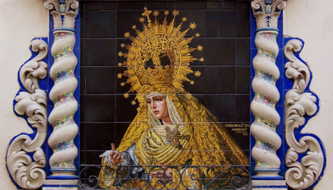 Los 10 retablos cerámicos indispensables de Sevilla