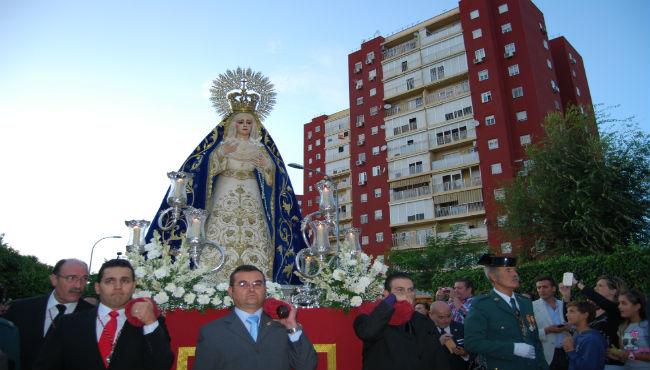 Día histórico en Montequinto con la salida de la Virgen del Pilar