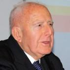José Ortiz Díaz, pregonero de la Semana Santa de Sevilla de 1973