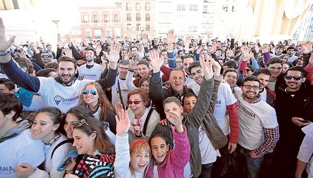 Los participantes de la Gymkhana, en las Setas de Sevilla / JOSÉ GALIANA