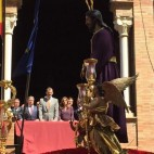 El Rey Felipe VI ante el Cautivo de Santa Genoveva
