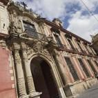 Fachada principal del Palacio Arzobispal / JUAN FLORES