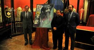 Lacomba, Marcelino Manzano y Féliz Ríos junto al cartel / M.J. RODRÍGUEZ RECHI