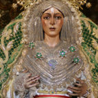 Virgen de la Esperanza Macarena con el manto camaronero / JAVIER COMAS