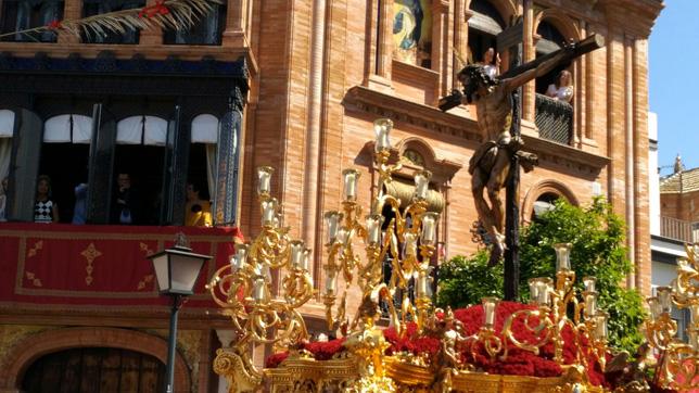 El Cristo de la Sed en la calle Beatriz de Suabia