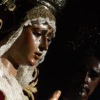 La Virgen de la Amargura recibe el sol el día de San Genaro / JAVIER COMAS