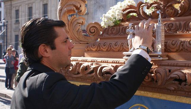 Javier Díaz Espinosa llamando al martillo de la Pura y Limpia del Postigo / RECHI