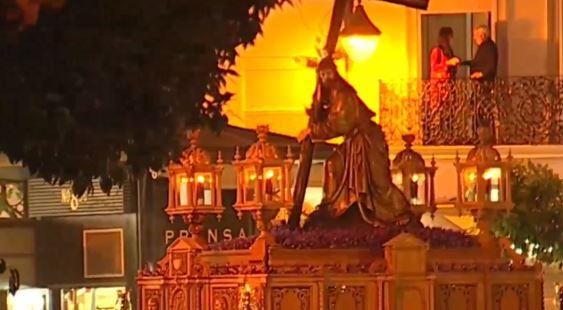 El Cristo de la Corona en la Plaza del Salvador de Sevilla el Viernes de Dolores de 2019