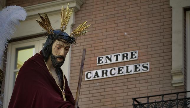 El Señor de la Salud y Buen Viaje de San Esteban, por la calle Entre Cárceles
