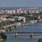 San Gonzalo por el Puente de Triana