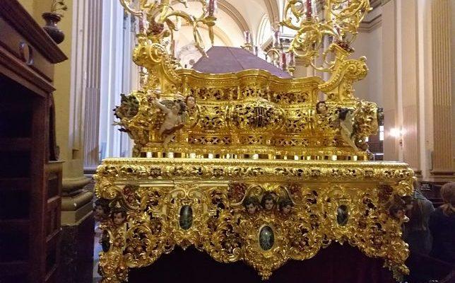 El paso del Cristo de la Sed, restaurado y dorado por Paco Pardo para la Semana Santa de 2019.