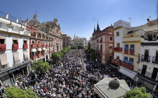 La Borriquita el Domingo de Ramos de la Semana Santa de Sevilla. Foto: J.M. Serrano
