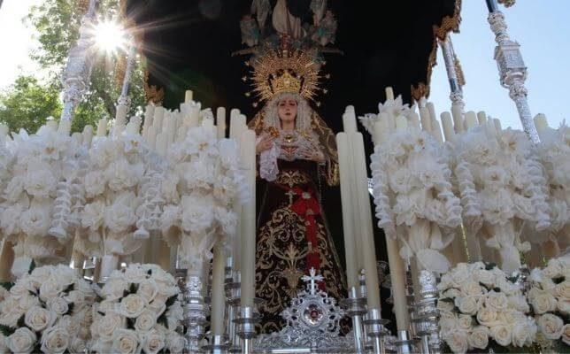 La Virgen de los Dolores de Torreblanca el Sábado de Pasión de la Semana Santa de Sevilla. Foto: Pepe Ortega