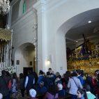 La Esperanza de Triana, el Domingo de Pasión, en su paso / M. J. RODRÍGUEZ RECHI