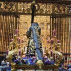 El Señor de la Salud, ante el altar mayor de la Catedral de Sevilla n| Rechi