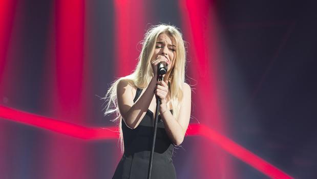 Nerea, durante su interpretación de «Listen» en la Gala 10 de OT 2017 (Operación Triunfo)